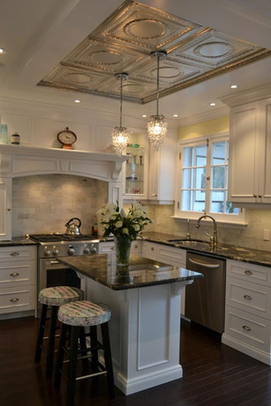 Inspiring Traditional Victorian Kitchen Remodel Ideas 50