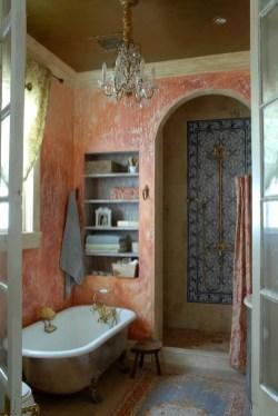 Romantic And Elegant Bathroom Design Ideas With Chandeliers 18