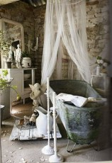 Romantic And Elegant Bathroom Design Ideas With Chandeliers 35