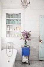 Romantic And Elegant Bathroom Design Ideas With Chandeliers 47