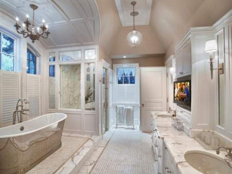 Romantic And Elegant Bathroom Design Ideas With Chandeliers 52