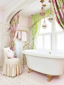 Romantic And Elegant Bathroom Design Ideas With Chandeliers 53