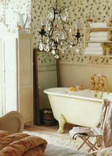 Romantic And Elegant Bathroom Design Ideas With Chandeliers 64