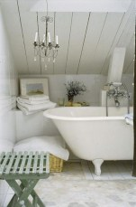 Romantic And Elegant Bathroom Design Ideas With Chandeliers 67