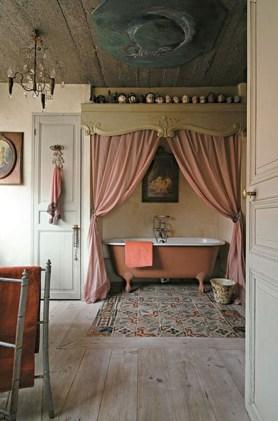 Romantic And Elegant Bathroom Design Ideas With Chandeliers 69