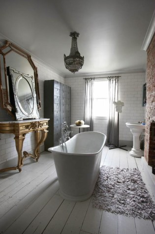 Romantic And Elegant Bathroom Design Ideas With Chandeliers 78
