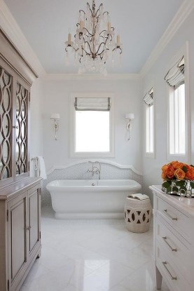 Romantic And Elegant Bathroom Design Ideas With Chandeliers 80