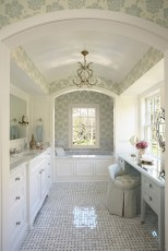 Romantic And Elegant Bathroom Design Ideas With Chandeliers 83
