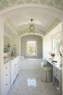 Romantic And Elegant Bathroom Design Ideas With Chandeliers 83