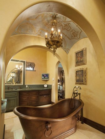 Romantic And Elegant Bathroom Design Ideas With Chandeliers 91