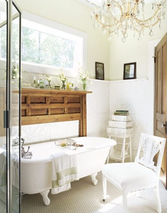 Romantic And Elegant Bathroom Design Ideas With Chandeliers 97