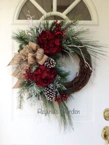 Simple But Beautiful Front Door Christmas Decoration Ideas 12