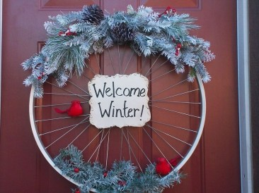 Simple But Beautiful Front Door Christmas Decoration Ideas 23