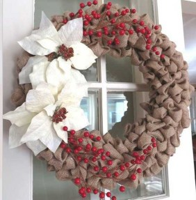 Simple But Beautiful Front Door Christmas Decoration Ideas 49