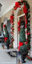 Simple But Beautiful Front Door Christmas Decoration Ideas 69