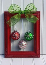 Simple But Beautiful Front Door Christmas Decoration Ideas 70