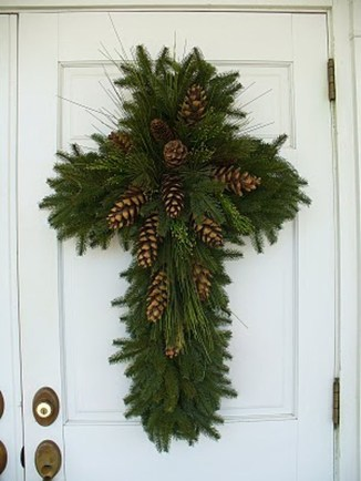 Simple But Beautiful Front Door Christmas Decoration Ideas 72