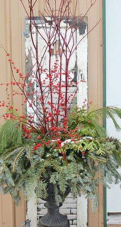 Simple But Beautiful Front Door Christmas Decoration Ideas 86