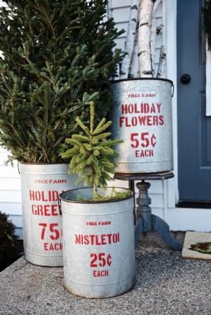 Totally Inspiring Christmas Porch Decoration Ideas 13