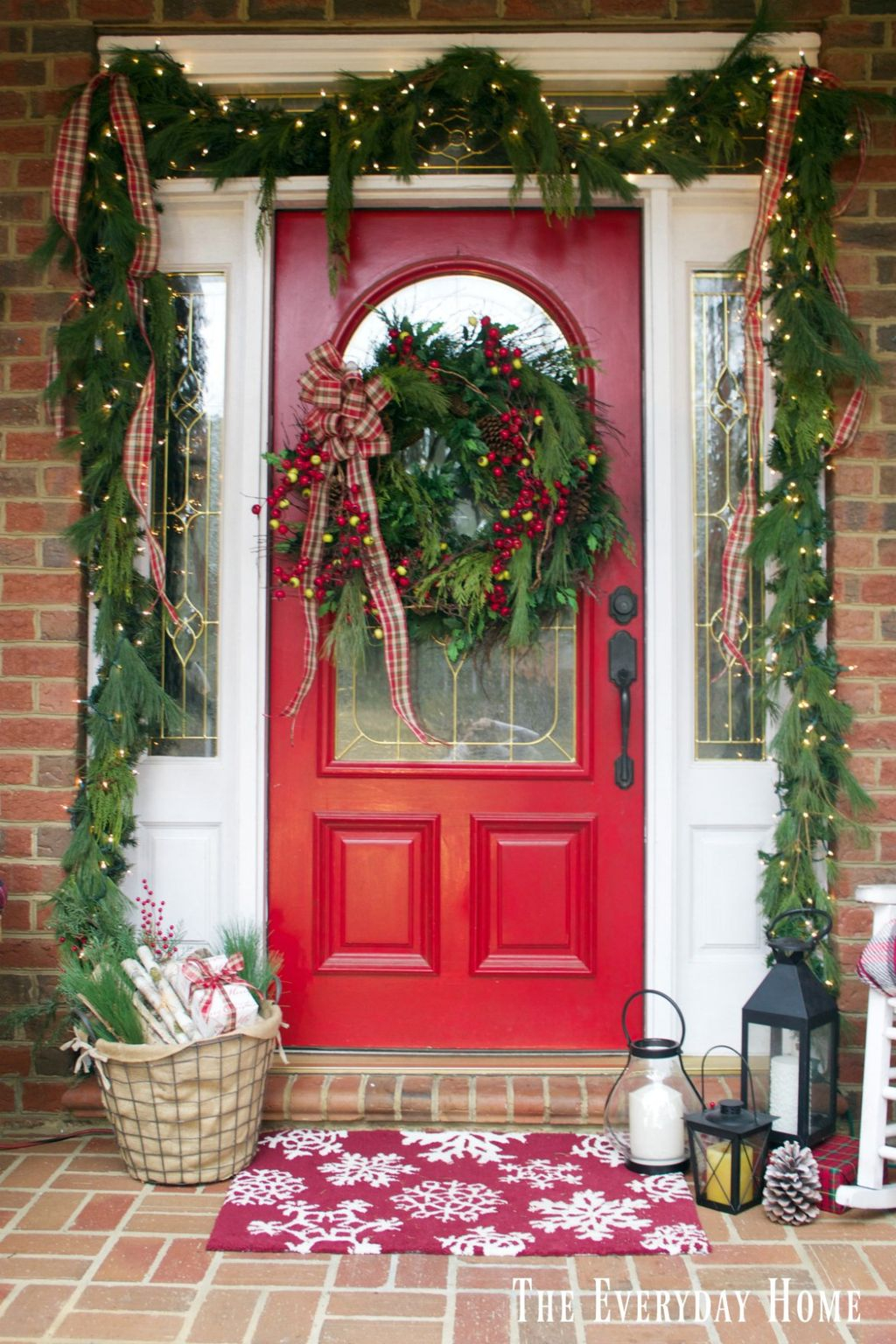 Totally Inspiring Christmas Porch Decoration Ideas 18