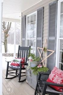 Totally Inspiring Christmas Porch Decoration Ideas 22