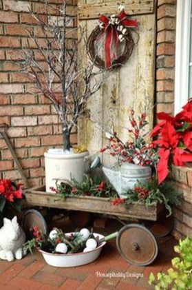 Totally Inspiring Christmas Porch Decoration Ideas 61