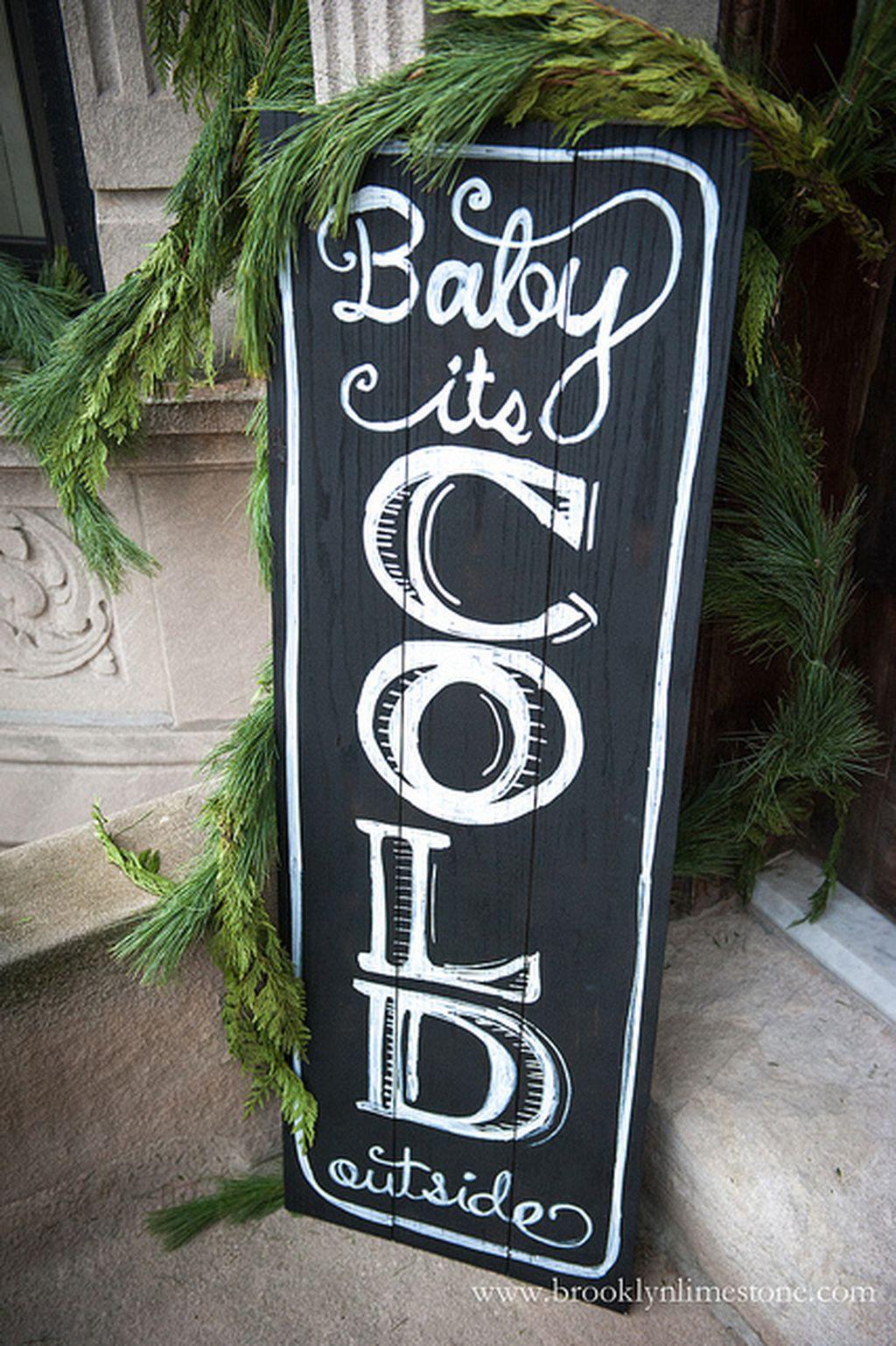 Totally Inspiring Christmas Porch Decoration Ideas 62
