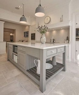 Totally Outstanding Traditional Kitchen Decoration Ideas 121