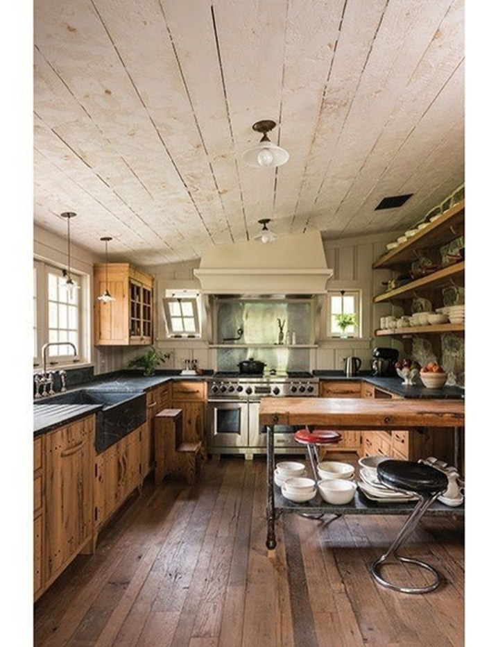 Totally Outstanding Traditional Kitchen Decoration Ideas 132