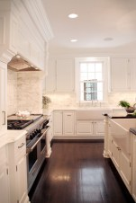 Totally Outstanding Traditional Kitchen Decoration Ideas 147