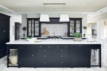 Totally Outstanding Traditional Kitchen Decoration Ideas 21