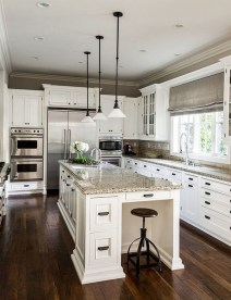 Totally Outstanding Traditional Kitchen Decoration Ideas 37