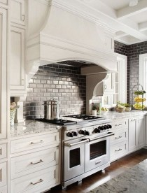 Totally Outstanding Traditional Kitchen Decoration Ideas 40