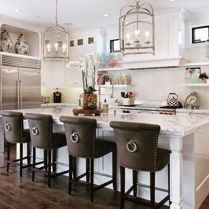 Totally Outstanding Traditional Kitchen Decoration Ideas 47