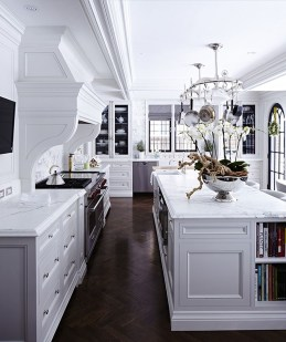 Totally Outstanding Traditional Kitchen Decoration Ideas 54