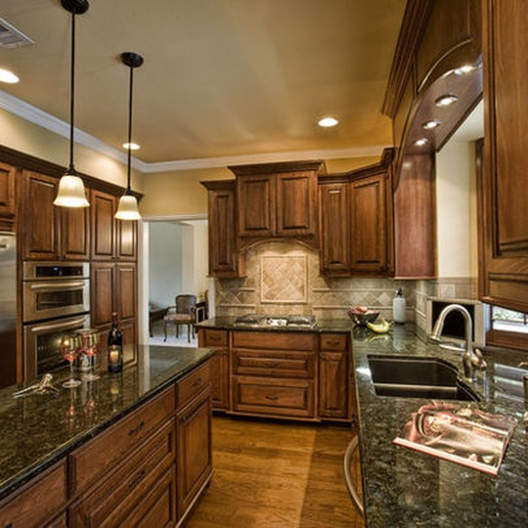 Totally Outstanding Traditional Kitchen Decoration Ideas 69