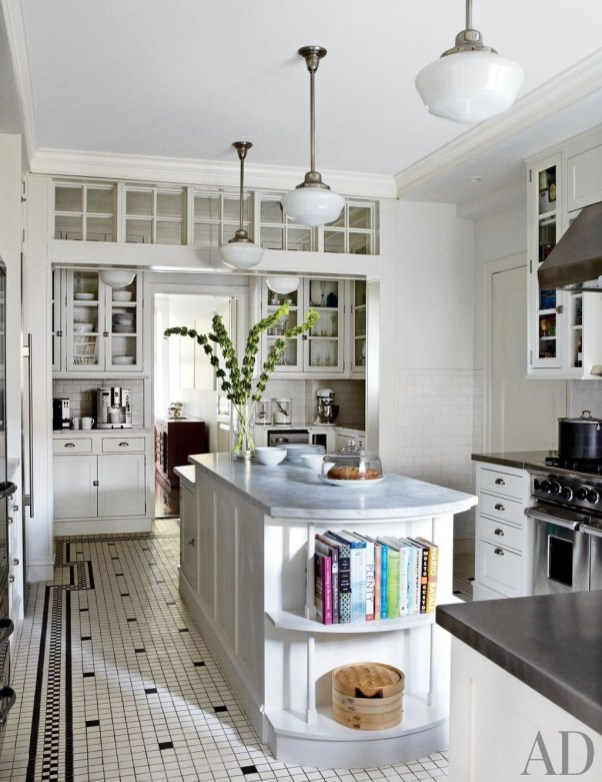 Totally Outstanding Traditional Kitchen Decoration Ideas 77