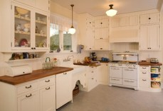 Totally Outstanding Traditional Kitchen Decoration Ideas 92