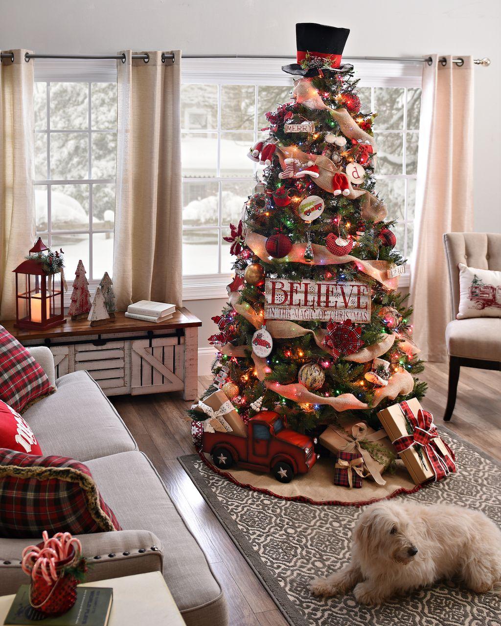 Unique And Unusual Black Christmas Tree Decoration Ideas 28