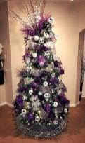 Unique And Unusual Black Christmas Tree Decoration Ideas 41