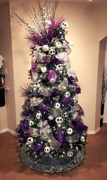 Unique And Unusual Black Christmas Tree Decoration Ideas 41