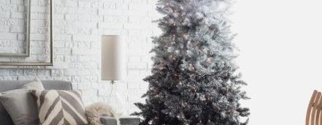 Unique And Unusual Black Christmas Tree Decoration Ideas 43