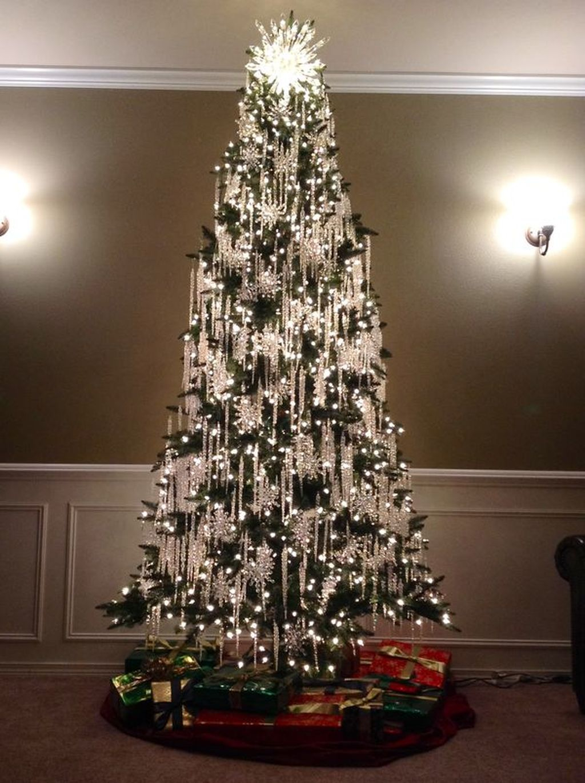 Unique And Unusual Black Christmas Tree Decoration Ideas 45