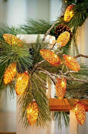 36 Brilliant Ideas How To Use Pinecone For Indoor Christmas Decoration 35