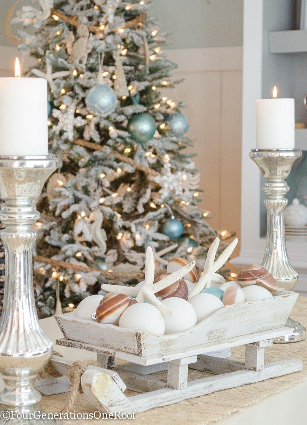37 Relaxed Beach Themed Christmas Decoration Ideas 14