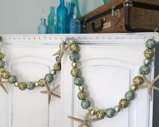 37 Relaxed Beach Themed Christmas Decoration Ideas 22