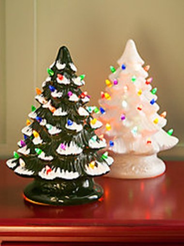37 Totally Adorable Traditional Christmas Decoration Ideas 27