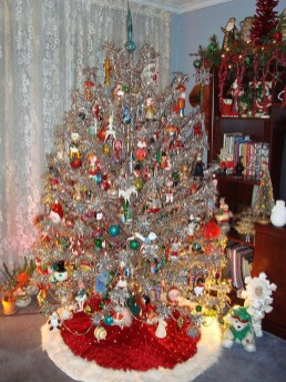 37 Totally Beautiful Vintage Christmas Tree Decoration Ideas 01
