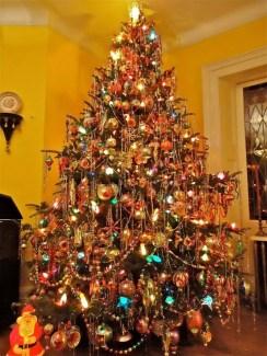 37 Totally Beautiful Vintage Christmas Tree Decoration Ideas 05