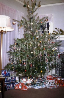 37 Totally Beautiful Vintage Christmas Tree Decoration Ideas 13